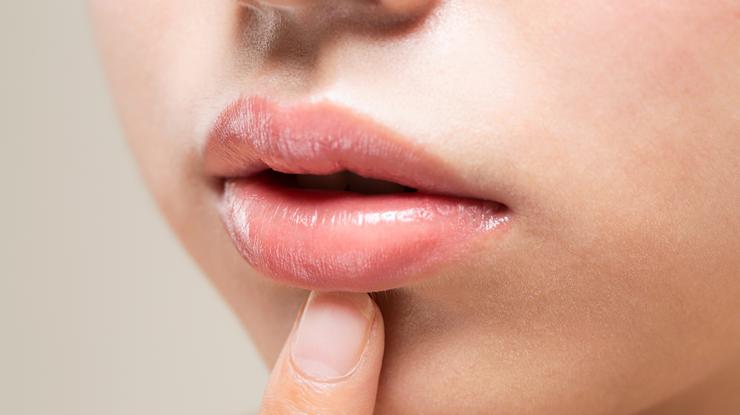 唇・乾燥・原因